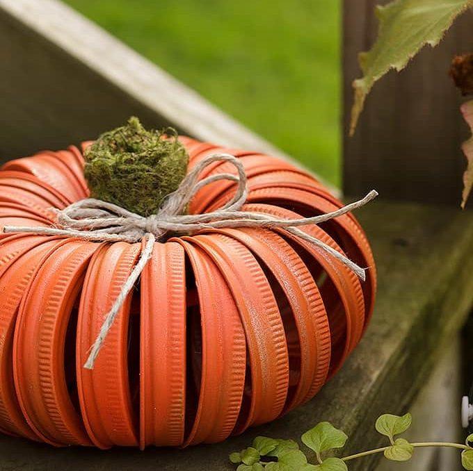 Mason Jar Lid Pumpkins