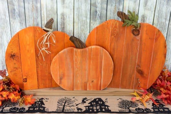 DIY Fall Decor Pallet Pumpkins